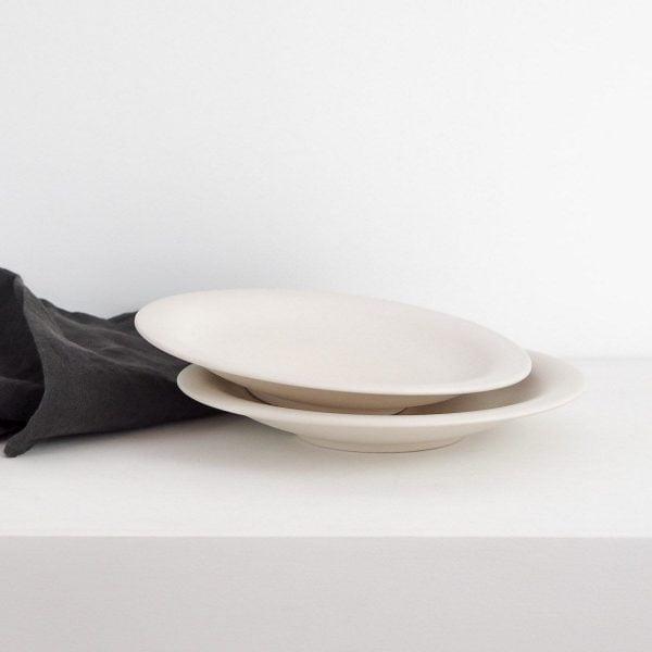 ANTIC PLATE, matte white, 21,5Ø | Redwoods Handmade Ceramic
