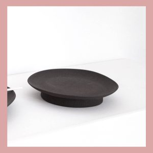 Round black tray · Handmade Ceramic